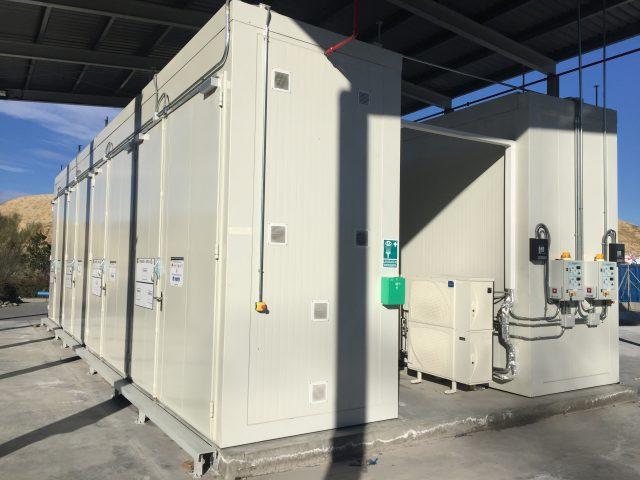 https://opslagcontainers.com/wp-content/uploads/2018/12/Opslag-organische-peroxides-2-x-12-meter-brandwerende-opslagcontainer-zij-aan-zij-640x480.jpg