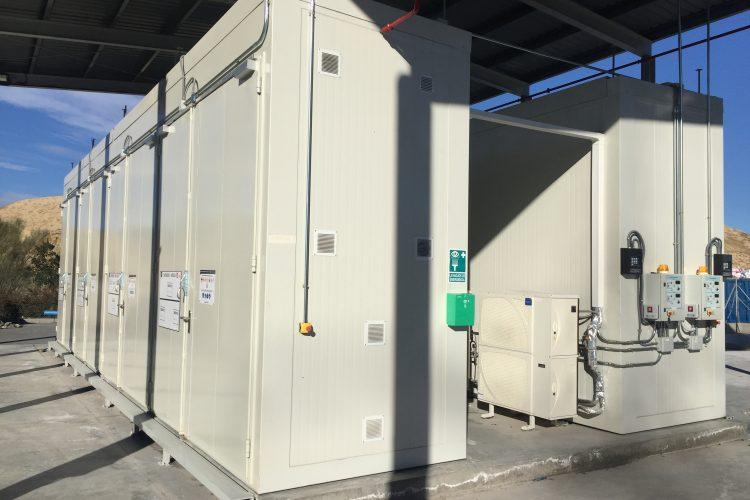 Opslag organische peroxides – 2 x 12 meter brandwerende opslagcontainer zij aan zij