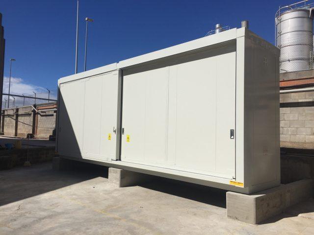 https://opslagcontainers.com/wp-content/uploads/2018/12/Opslag-organische-peroxides-8-meter-brandwerende-container-aan-de-hand-van-betonblokken-waterpas-geplaatst-640x480.jpg